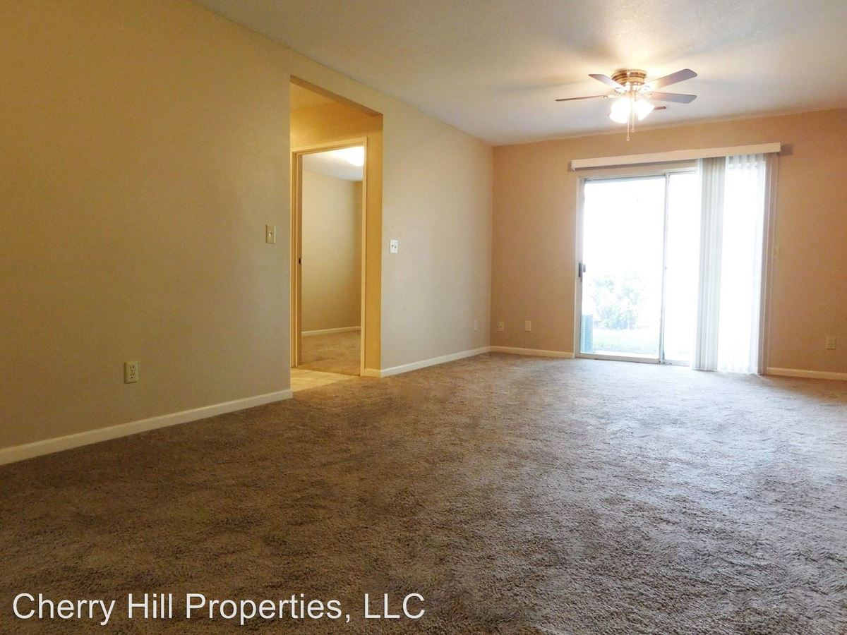4 Bedrooms 2 Bathrooms Apartment for rent at 1900 Naismith Dr in Lawrence, KS