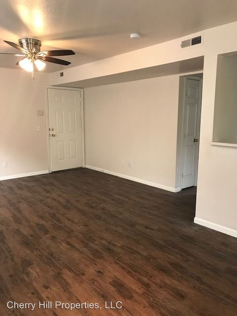 3 Bedrooms 1 Bathroom Apartment for rent at 933 Mississippi in Lawrence, KS