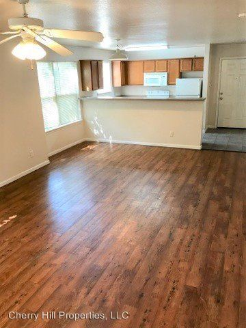 4 Bedrooms 2 Bathrooms Apartment for rent at 937 Mississippi in Lawrence, KS