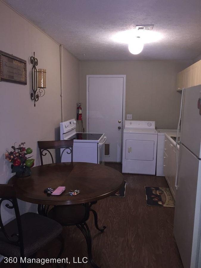 2 Bedrooms 1 Bathroom Apartment for rent at 556 N. Ross St. in Auburn, AL