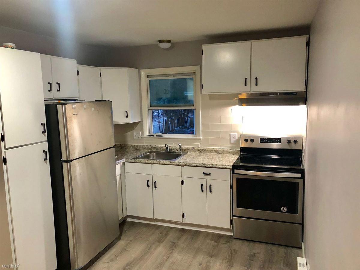 2 Bedrooms 1 Bathroom Apartment for rent at 59 Royal Oak Dr in Waterbury, CT