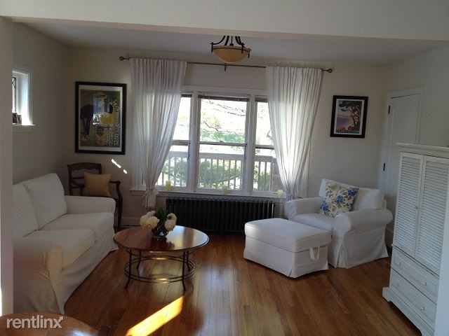 2 Bedrooms 1 Bathroom Apartment for rent at 401 W Hoover Ave in Ann Arbor, MI