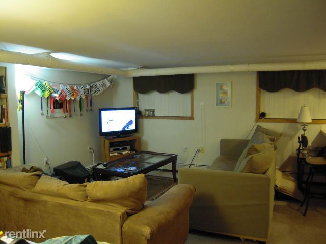 1 Bedroom 1 Bathroom Apartment for rent at 401 W Hoover Ave in Ann Arbor, MI