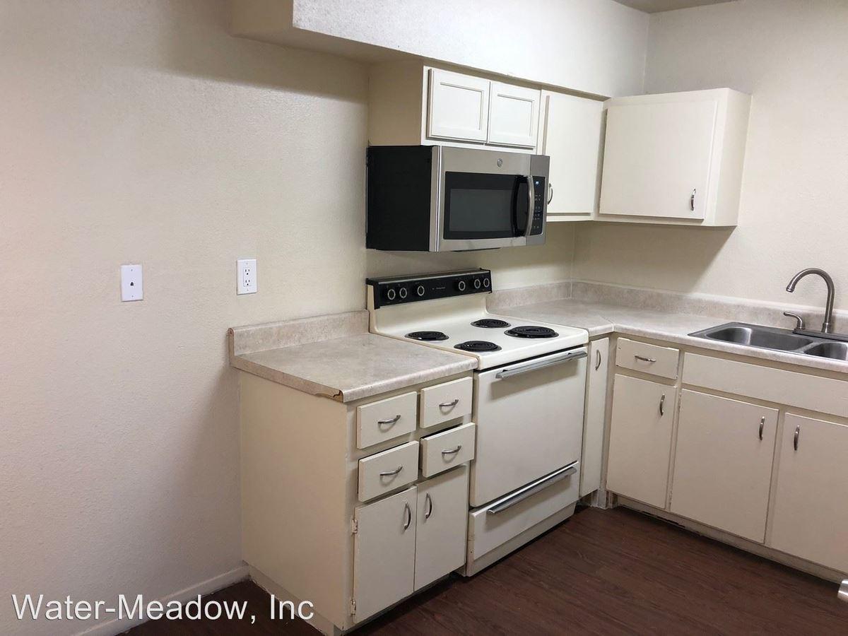 1 Bedroom 1 Bathroom Apartment for rent at 3735 Pleasanton Rd in San Antonio, TX