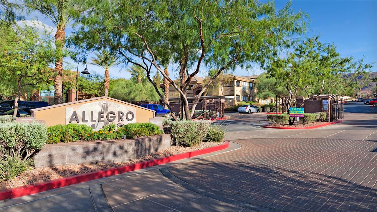 Allegro At La Entrada
