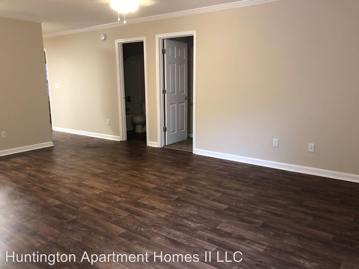 2 Bedrooms 2 Bathrooms Apartment for rent at 100-202 Oak Bluff Drive in Athens, GA