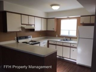 2 Bedrooms 1 Bathroom Apartment for rent at 2223-2249 S. Commerce Rd in Wolverine Lake, MI