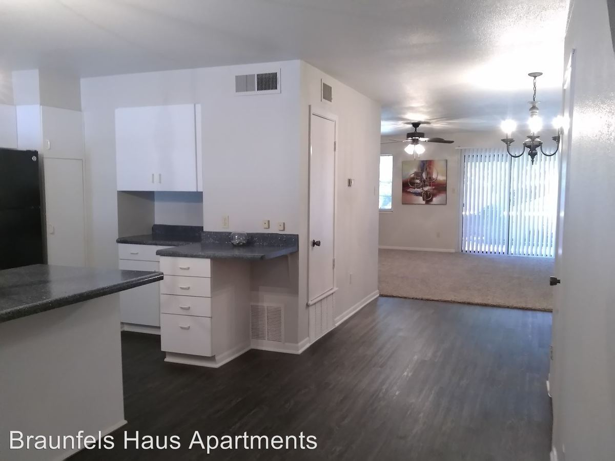 2 Bedrooms 3 Bathrooms Apartment for rent at Bell - 721 -735 in New Braunfels, TX
