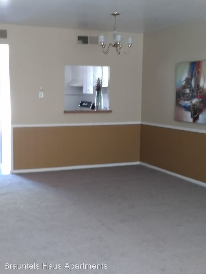 2 Bedrooms 1 Bathroom Apartment for rent at Bell - 721 -735 in New Braunfels, TX