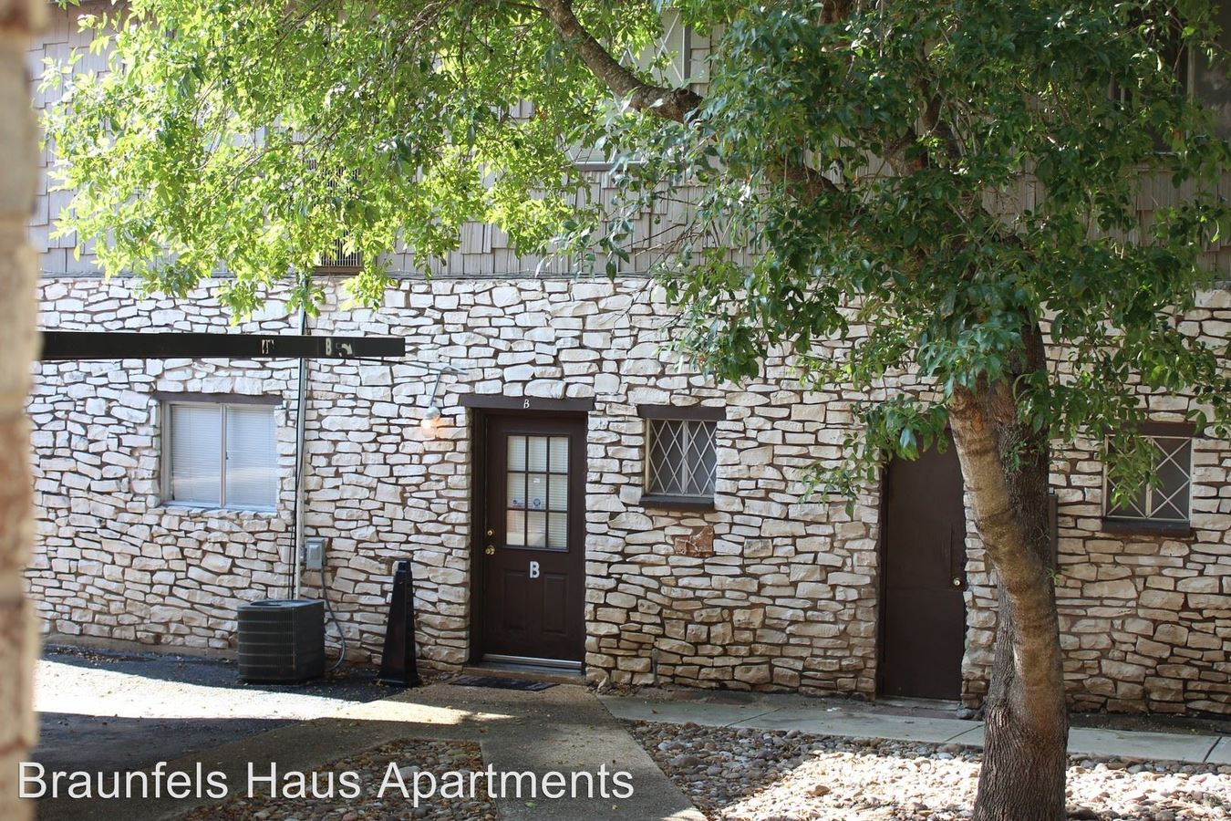 1 Bedroom 1 Bathroom Apartment for rent at 730 Howard St. 1-66, A-b in New Braunfels, TX