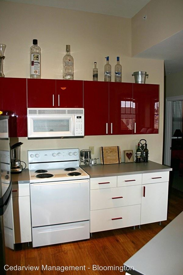 3 Bedrooms 2 Bathrooms Apartment for rent at 106 E. Kirkwood Ave. Oddfellows in Bloomington, IN
