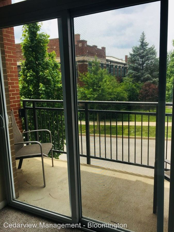 Studio 3 Bathrooms Apartment for rent at 602 N. Morton Street Tenth & College Village in Bloomington, IN