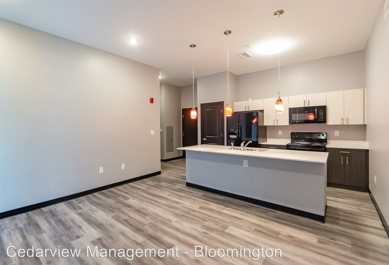 3 Bedrooms 2 Bathrooms Apartment for rent at 200 & 250 S Washington Street in Bloomington, IN