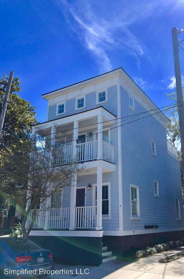 5 Bedrooms 4+ Bathrooms Apartment for rent at 25 Amherst St in Charleston, SC