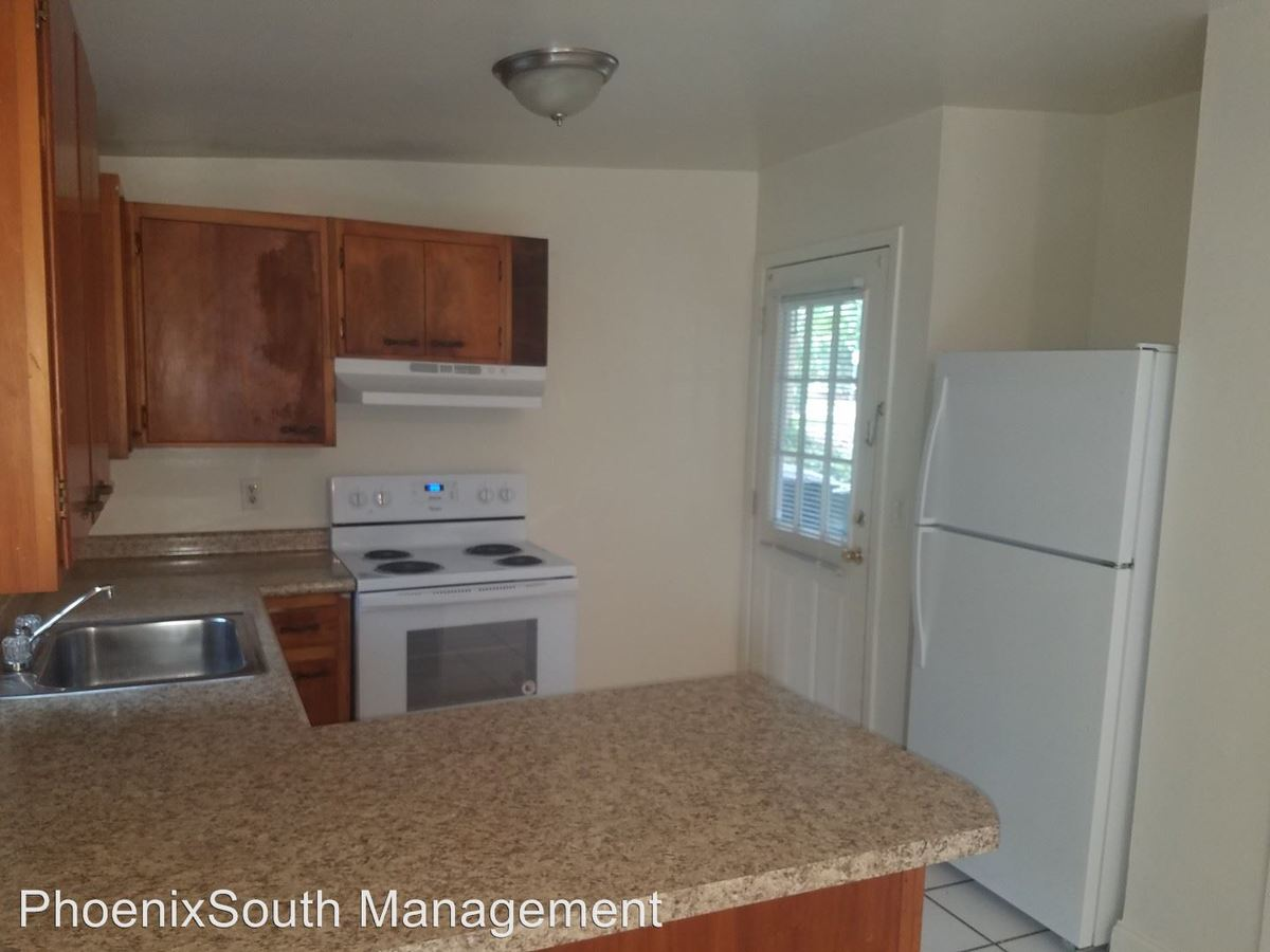 3 Bedrooms 2 Bathrooms Apartment for rent at 502 W Jefferson Street in Tallahassee, FL