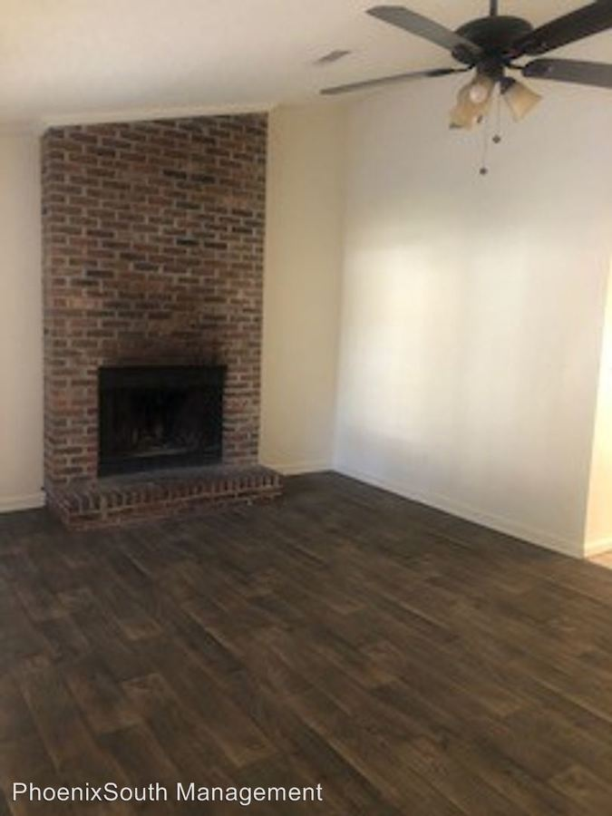 2 Bedrooms 1 Bathroom Apartment for rent at 502 W Jefferson Street in Tallahassee, FL