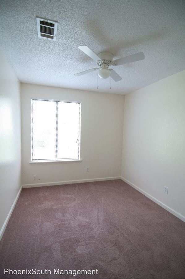 5 Bedrooms 2 Bathrooms Apartment for rent at 502 W Jefferson Street in Tallahassee, FL
