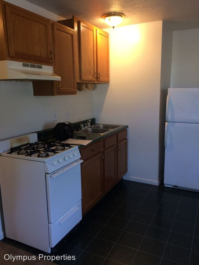 1 Bedroom 1 Bathroom Apartment for rent at 1405 S Rogers St in Bloomington, IN