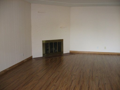 2 Bedrooms 1 Bathroom Apartment for rent at 6006 Se Clinton St in Portland, OR