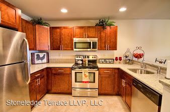2 Bedrooms 2 Bathrooms Apartment for rent at 18 Stoneledge Dr in Troy, NY