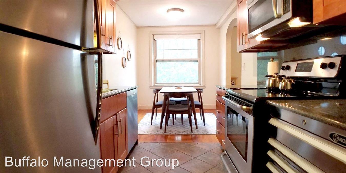 2 Bedrooms 1 Bathroom Apartment for rent at 916 Delaware Avenue in Buffalo, NY