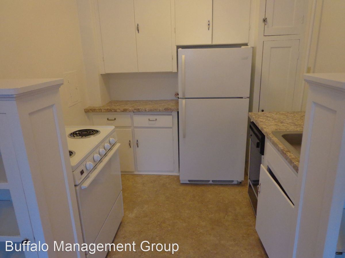 Studio 1 Bathroom Apartment for rent at 916 Delaware Avenue in Buffalo, NY