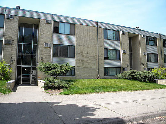 Apartments Near Augsburg 904 21st Ave S for Augsburg College Students in Minneapolis, MN
