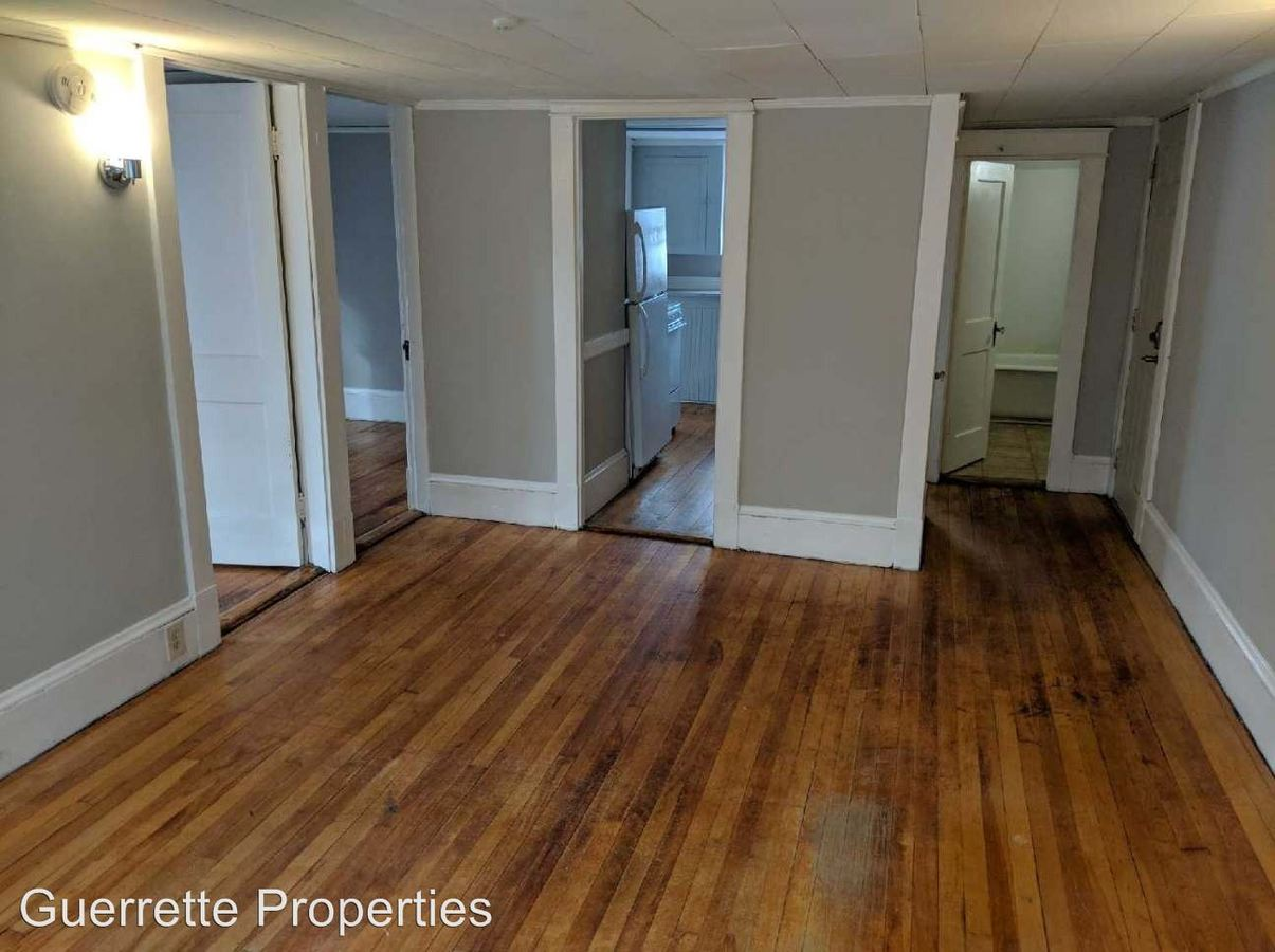 2 Bedrooms 1 Bathroom Apartment for rent at 26 Sewall St in Augusta, ME