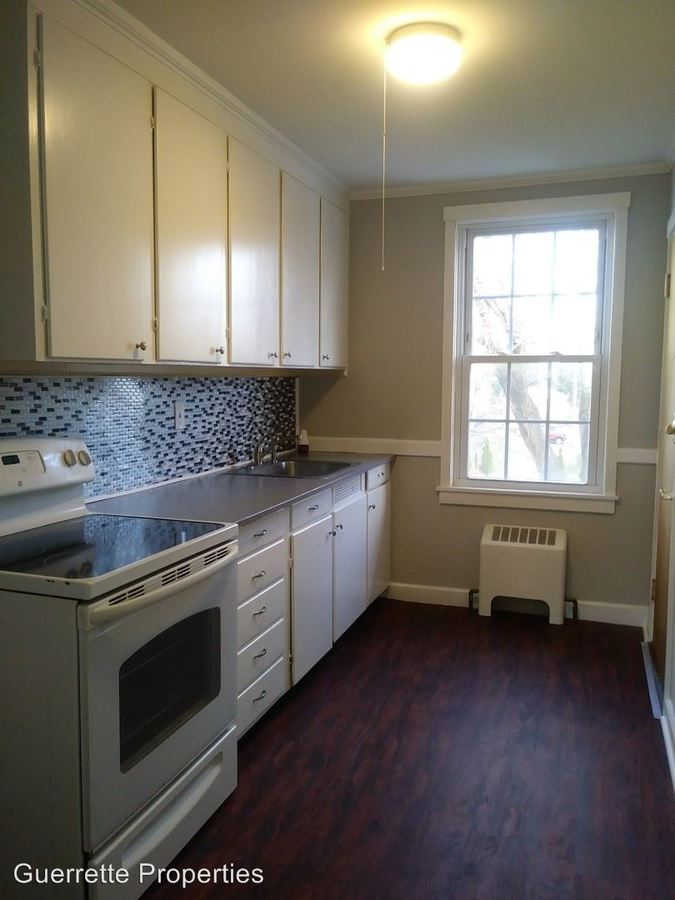 2 Bedrooms 1 Bathroom Apartment for rent at 112 Eastern Ave in Augusta, ME