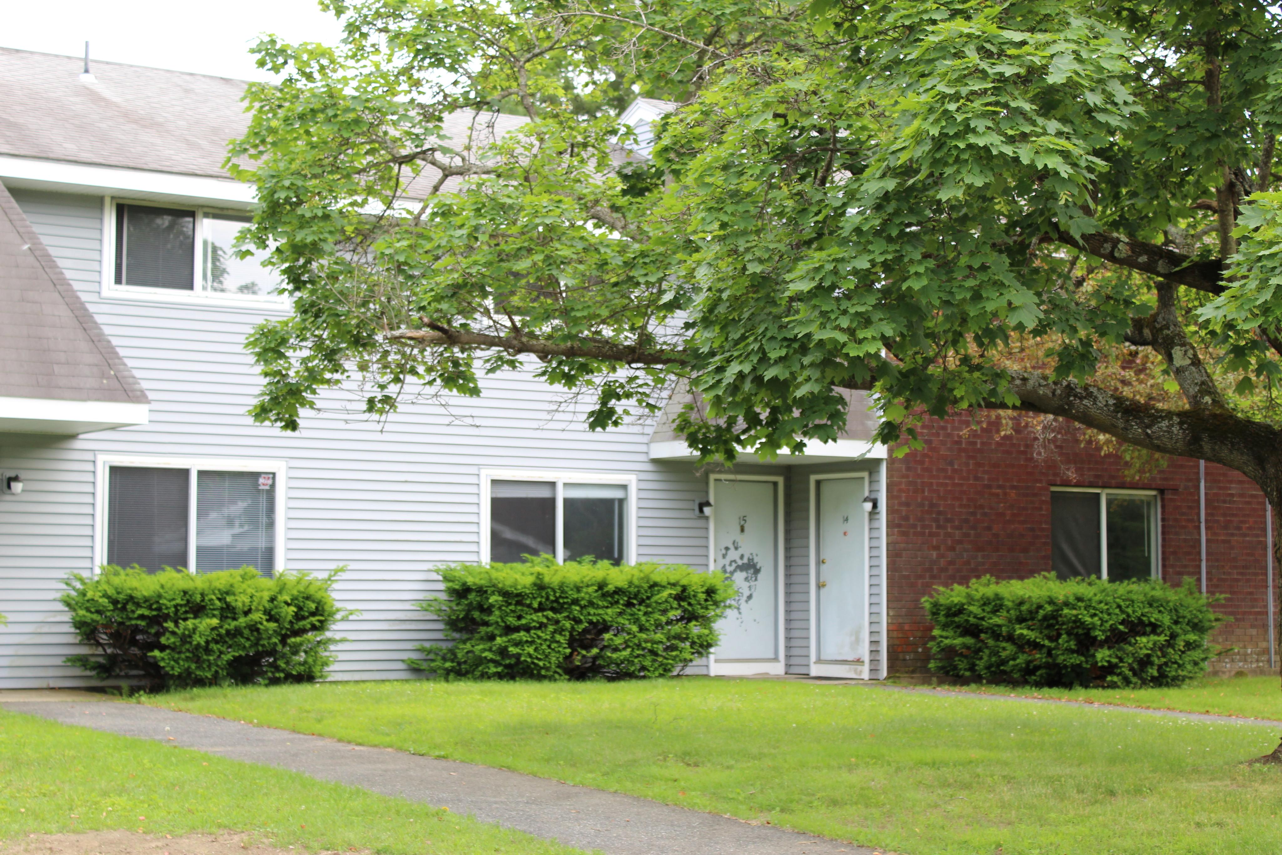 Housing Near Massachusetts Amherst Grove