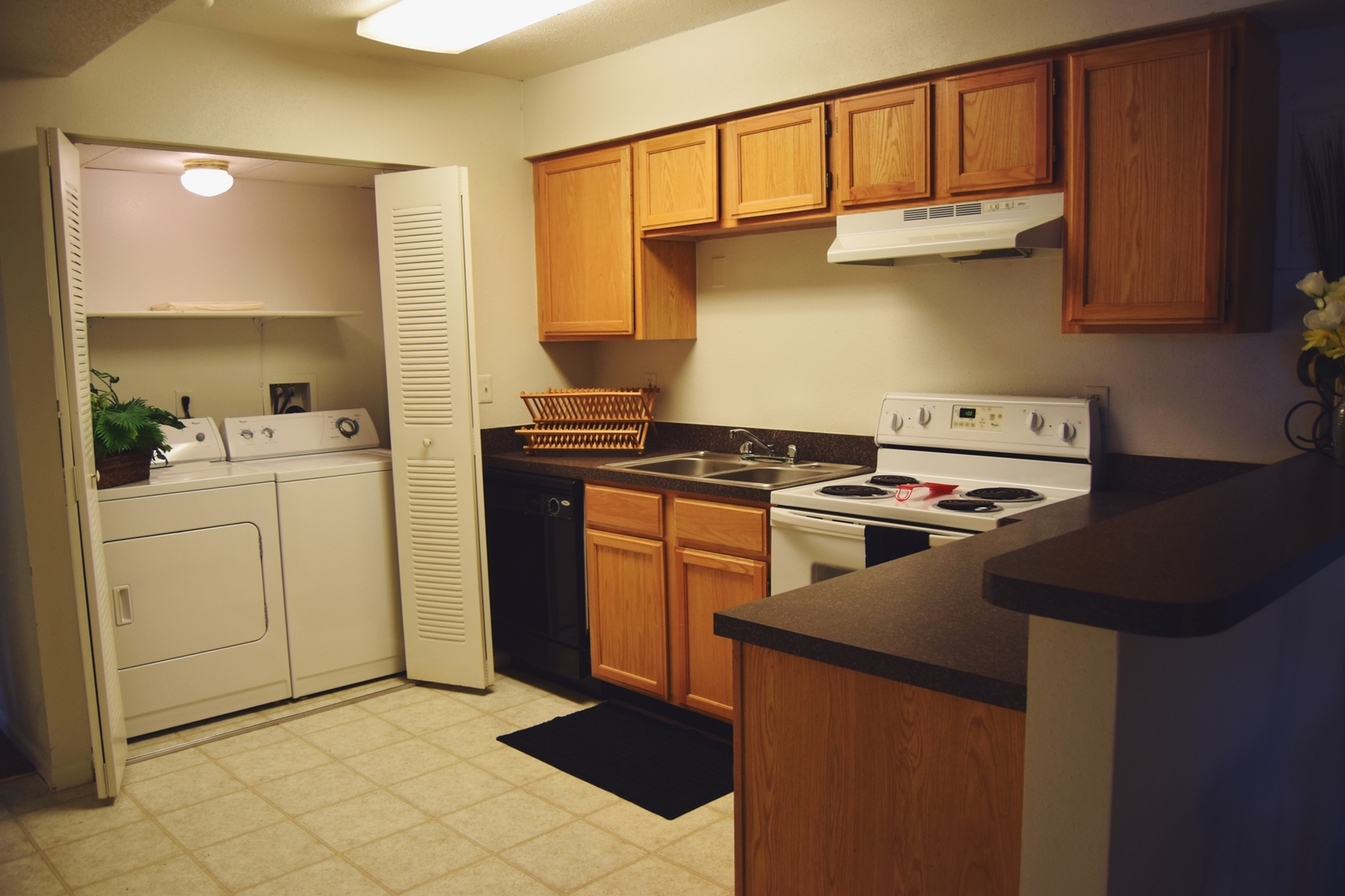 Apartments Near Western Illinois Edison and Pullman for Western Illinois University Students in Macomb, IL