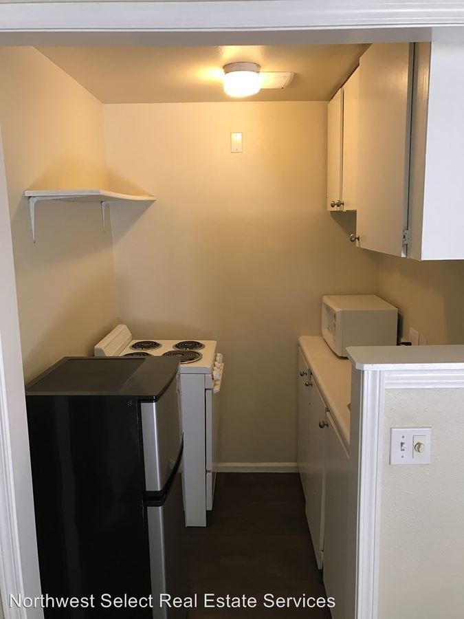 Studio 1 Bathroom Apartment for rent at 10226 Se 6th Street in Bellevue, WA