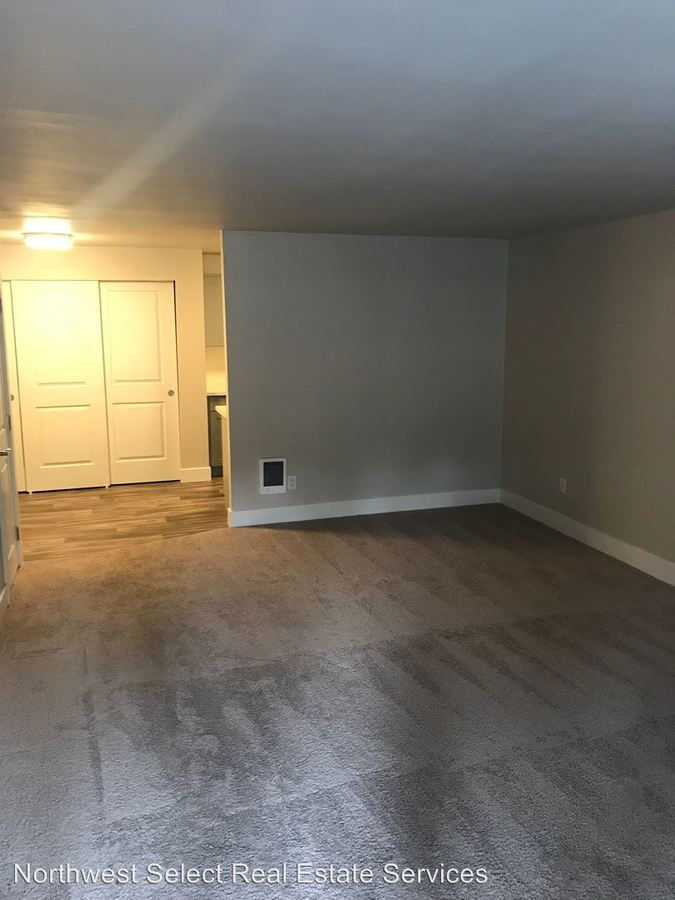 1 Bedroom 1 Bathroom Apartment for rent at 10226 Se 6th Street in Bellevue, WA