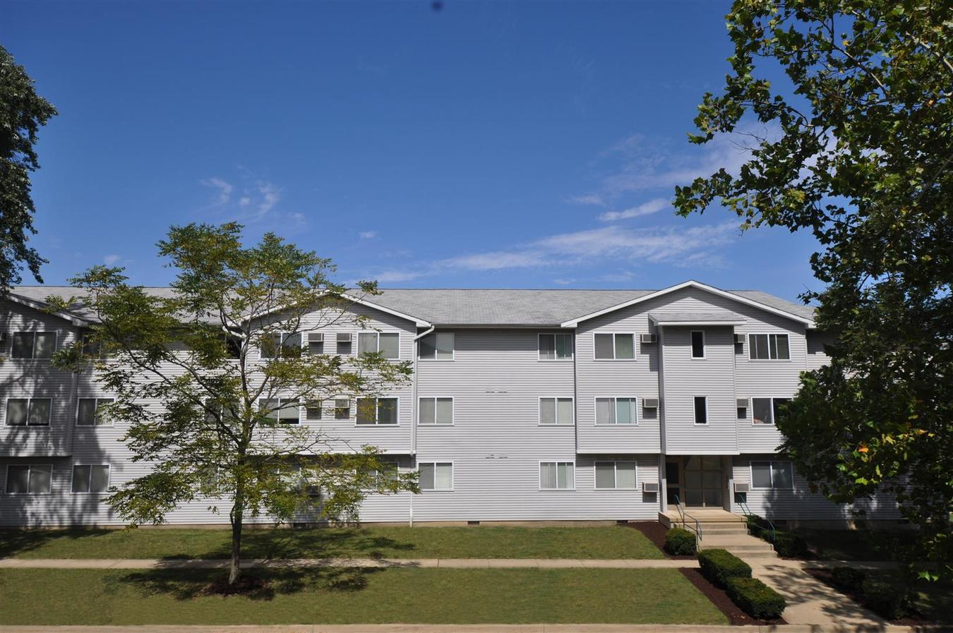 1 Bedroom 1 Bathroom Apartment for rent at 1002 W. Clark in Urbana, IL