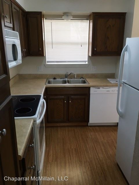 2 Bedrooms 1 Bathroom Apartment for rent at 405 Mcmillain St in Joshua, TX