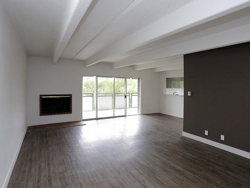 Luxe Tower Apartments photo