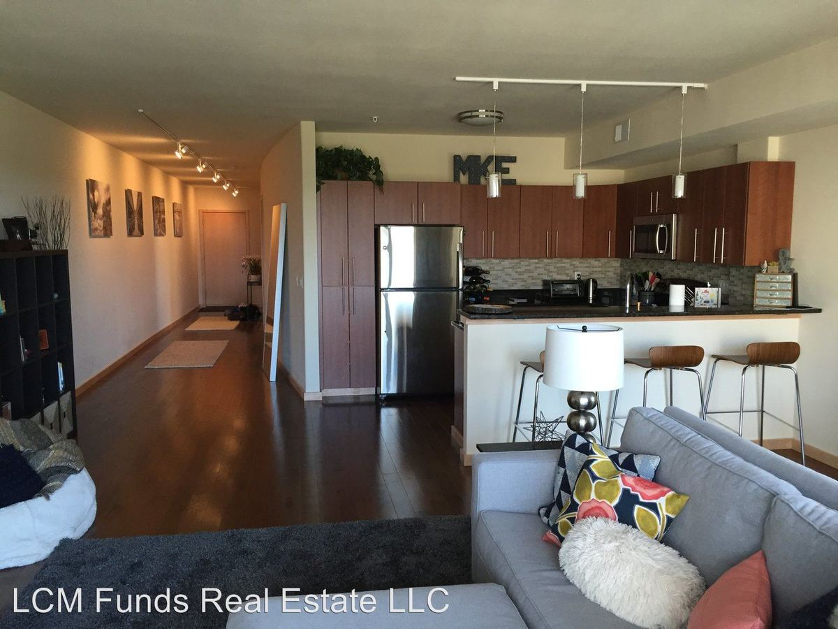 1 Bedroom 1 Bathroom Apartment for rent at 221 E Oregon Street in Milwaukee, WI