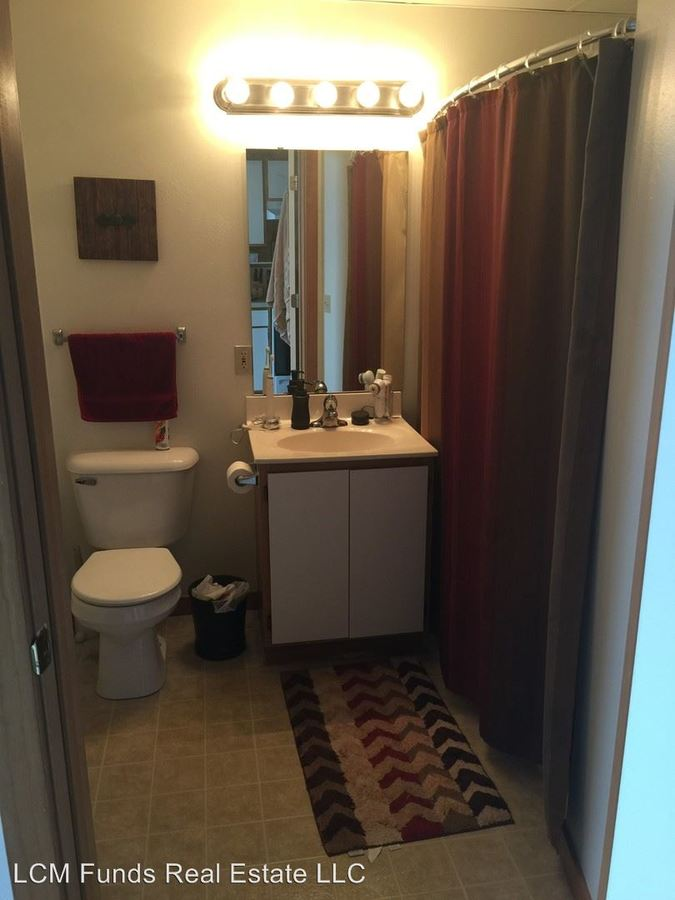 1 Bedroom 1 Bathroom Apartment for rent at 133 W Oregon St in Milwaukee, WI