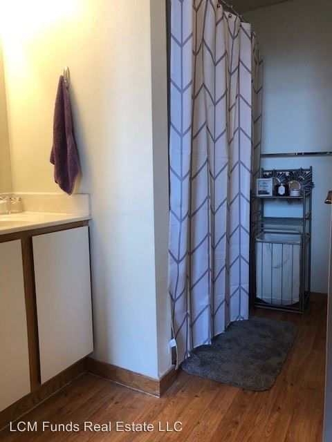 2 Bedrooms 2 Bathrooms Apartment for rent at 133 W Oregon St in Milwaukee, WI