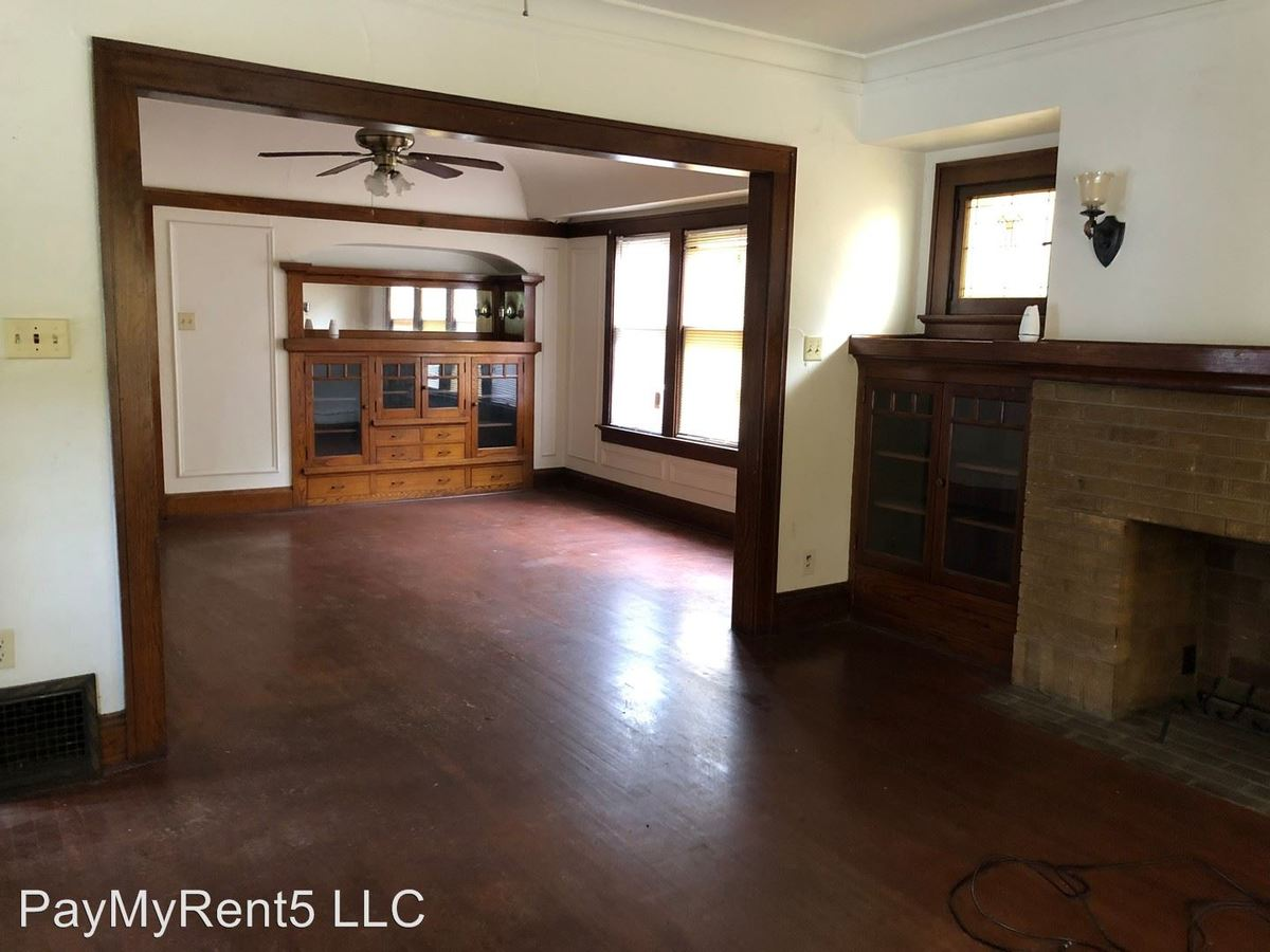2 Bedrooms 1 Bathroom Apartment for rent at 2642-44 N 51st St in Milwaukee, WI