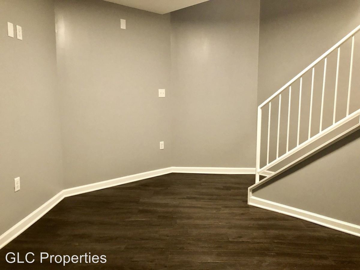 Studio 1 Bathroom Apartment for rent at 300 N Charles St in Baltimore, MD