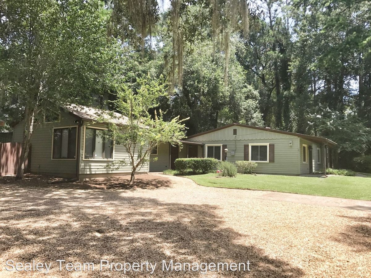 2 Bedrooms 1 Bathroom Apartment for rent at 2306 Escambia Dr in Tallahassee, FL