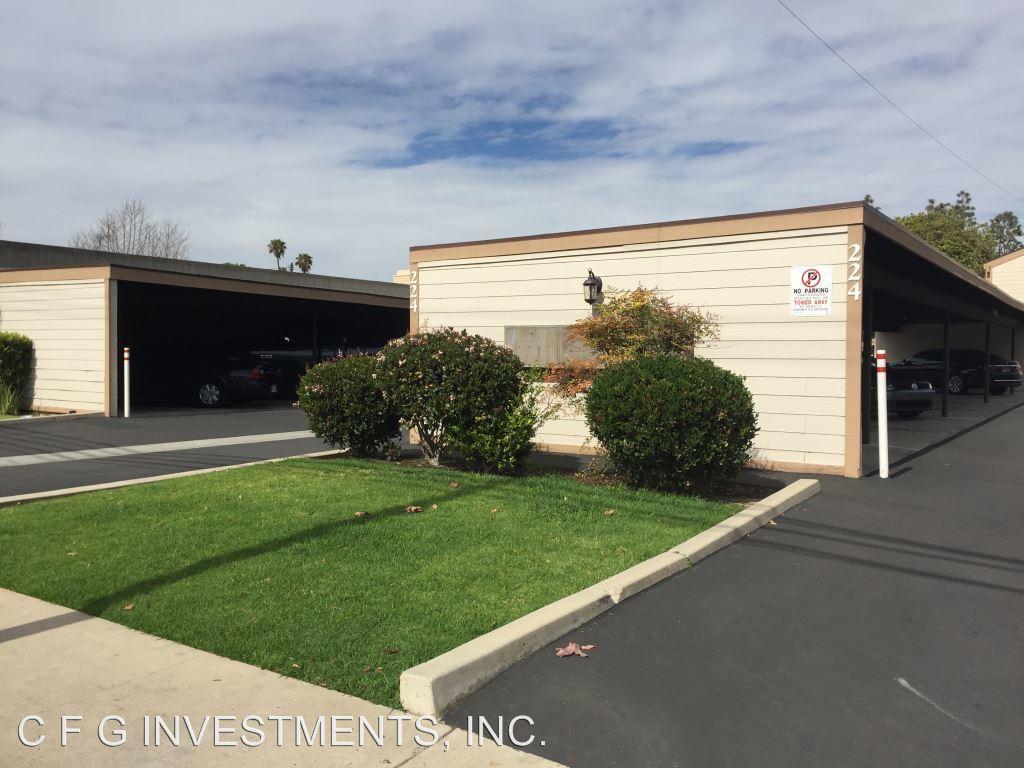 2 Bedrooms 1 Bathroom Apartment for rent at 224 Avocado St. in Costa Mesa, CA