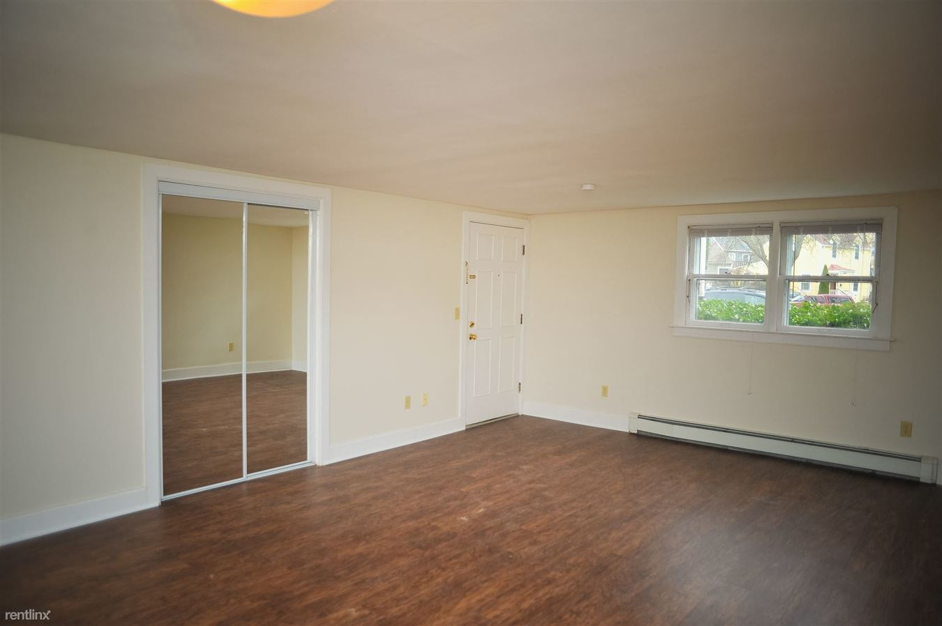 2 Bedrooms 1 Bathroom Apartment for rent at 413 W Hoover Ave in Ann Arbor, MI