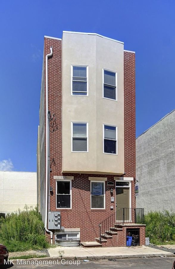5 Bedrooms 3 Bathrooms Apartment for rent at 1906 N 18th Street in Philadelphia, PA