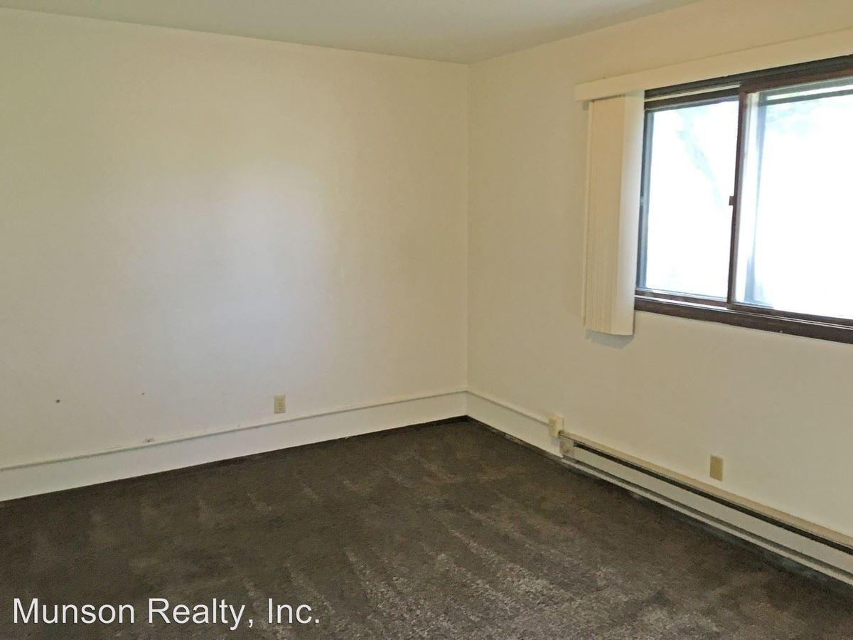 1 Bedroom 1 Bathroom Apartment for rent at 1710 La Crescent St in La Crosse, WI