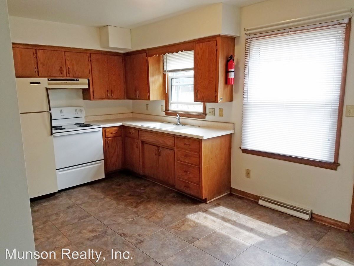 2 Bedrooms 1 Bathroom Apartment for rent at 714 So 7th St. in Lacrosse, WI