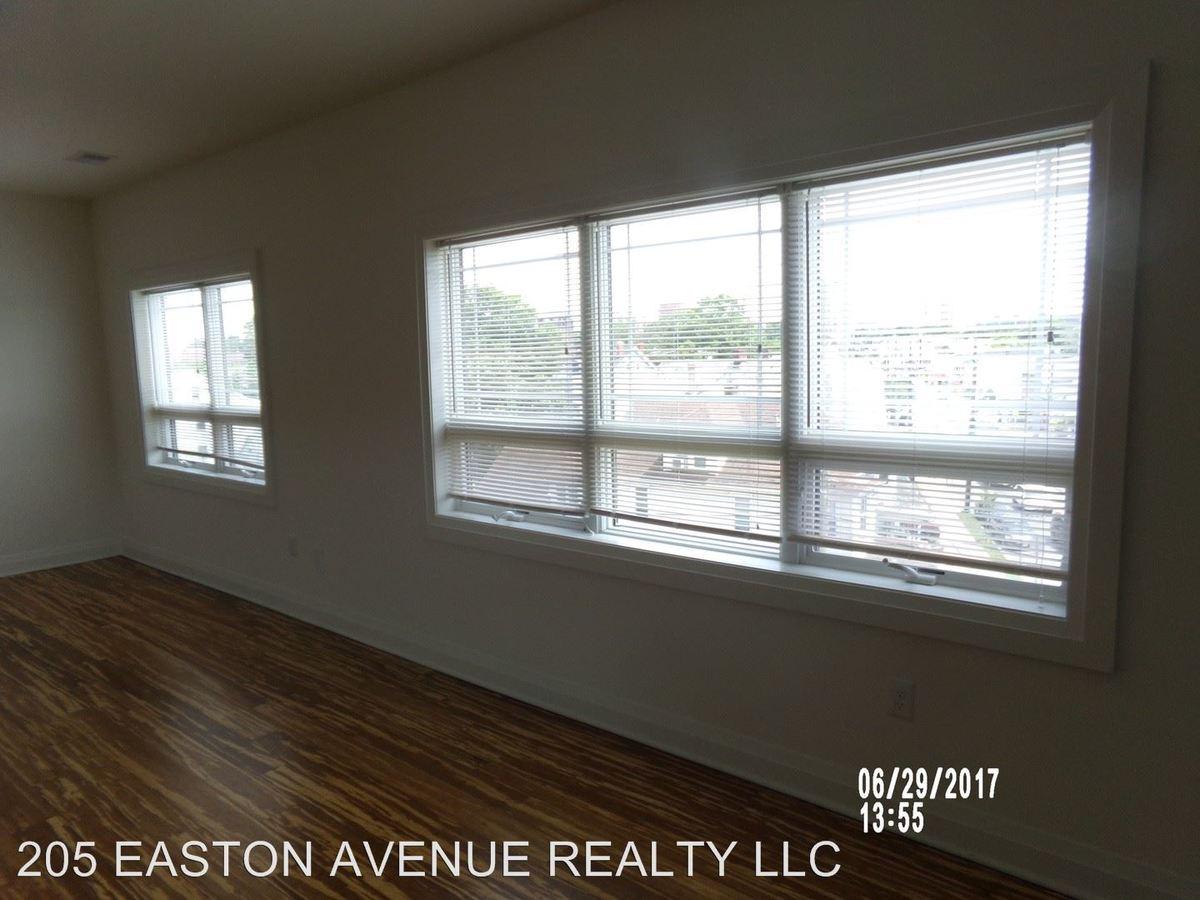 Studio 1 Bathroom Apartment for rent at 205 Easton Avenue in New Brunswick, NJ