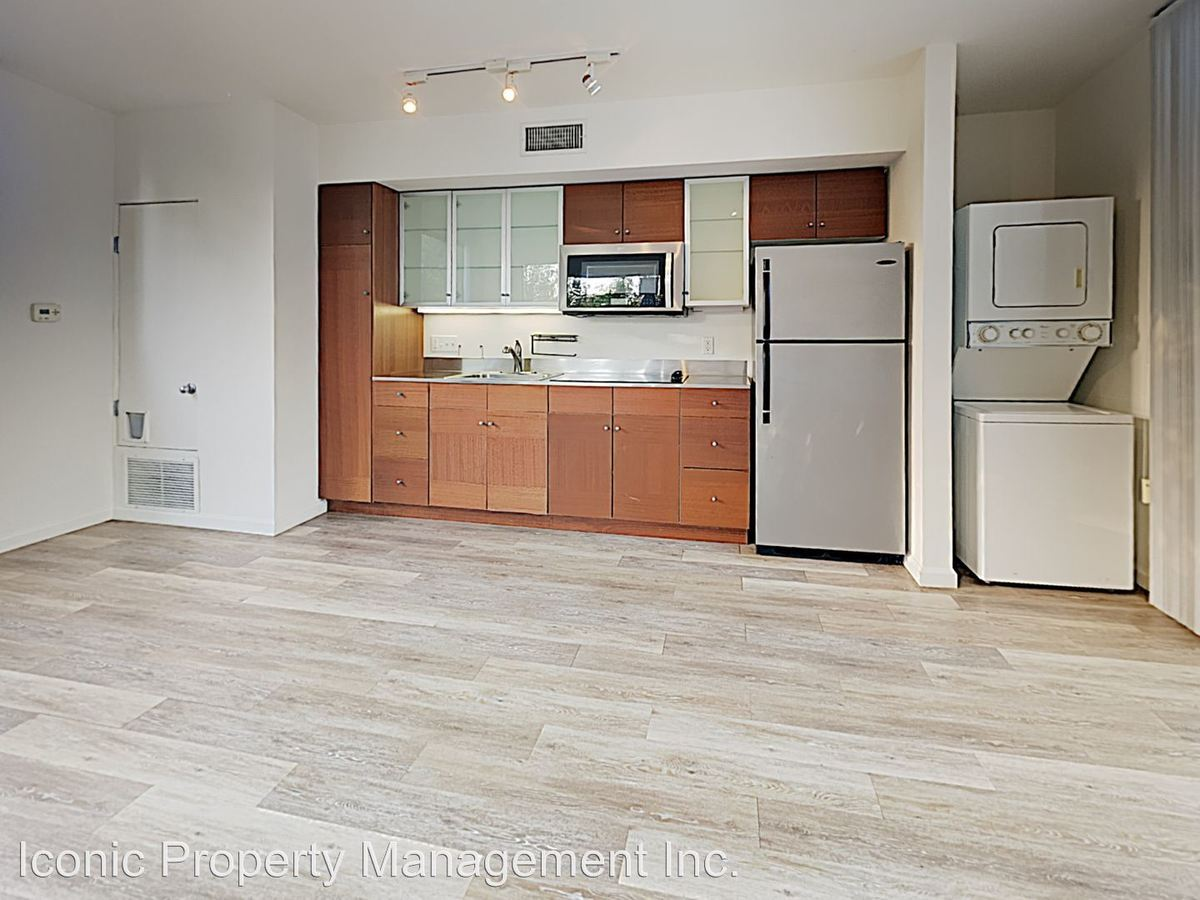 2 Bedrooms 1 Bathroom Apartment for rent at 1945 B Street in San Diego, CA