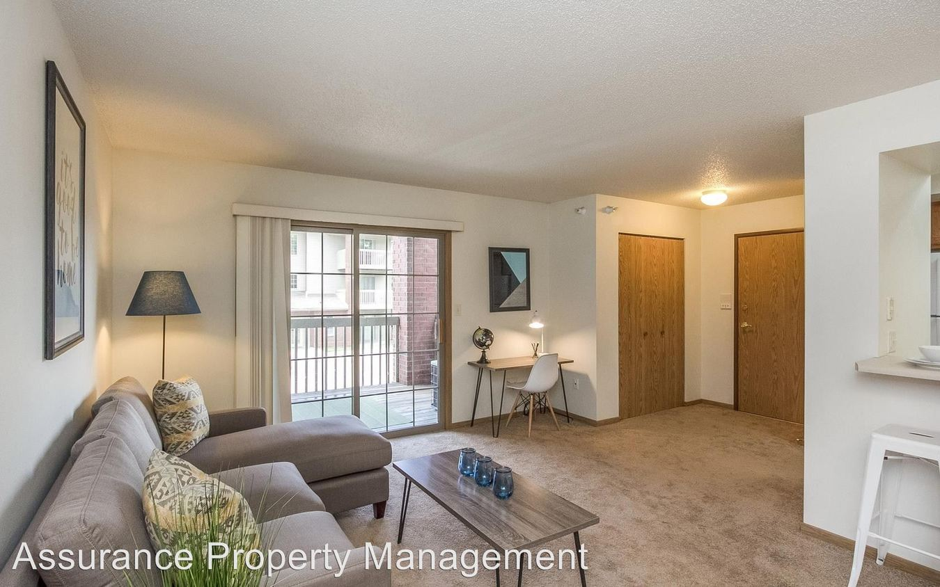 1 Bedroom 1 Bathroom Apartment for rent at 1039, 1059 & 1079 W. Benton St. in Iowa City, IA